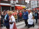 """<font color=""""blue""""><font size=""""+1""""> Liège Costumes traditionnels liégeois - ouvrier et botteresse, cortège du 15 août en Outremeuse.</font></font>"""