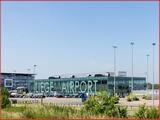 """<font color=""""blue""""><font size=""""+1""""> Liège Laéroport de Liège est situé à quelques kilomètres à l ouest de la ville</font></font>"""