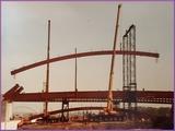 """<font color=""""red""""><font size=""""+1""""> Montage du pont de Vivegnis en mai 1983. .</font></font>"""
