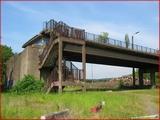 """<font color=""""red""""><font size=""""+1""""> Vestiges du pont de Vivegnis canal-Albert côté Hermalle-sous-Argenteau. En fait, c est un pont qui fut détruit dans les années 80 (écroulé 14 août 1985) suite à l explosion d une conduite de gaz qui passait en dessous  .</font></font>"""